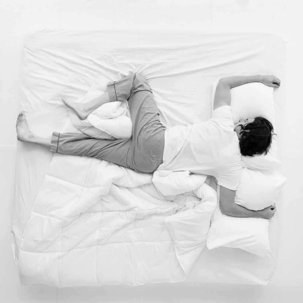 Quelle est la meilleure orientation du lit pour bien dormir ?